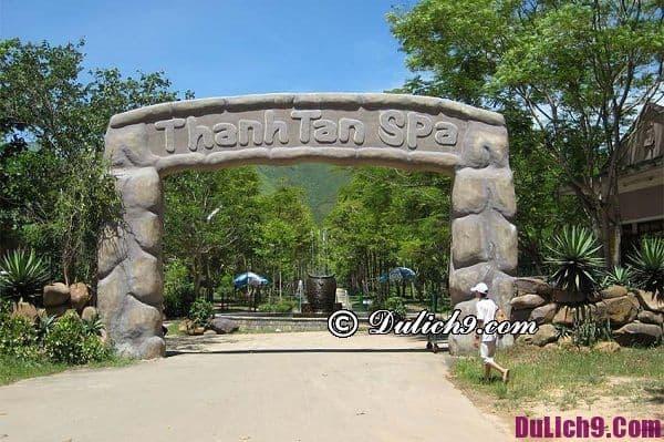 Địa điểm tham quan nổi tiếng ở Huế