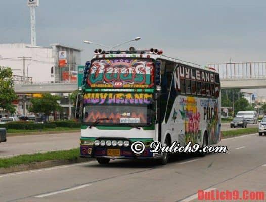 Xe bus là  phương tiện đi lại giá rẻ khi du lịch Bangkok