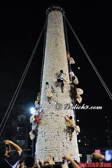 Du lịch Hồng Kông khám phá lễ hội Bánh Bao