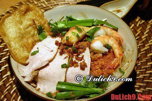 Món ngon đặc sản ở Campuchia: hủ tiểu Nam Vang: Du lịch Campuchia nên ăn món gì?