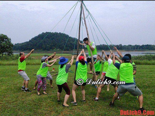 Đồng Mô là điểm đến cắm trại tuyệt vời của nhiều bạn trẻ vào dịp cuối tuần
