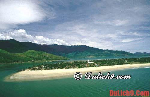 Nên tắm biển ở đâu đẹp và gần Hà Nội?