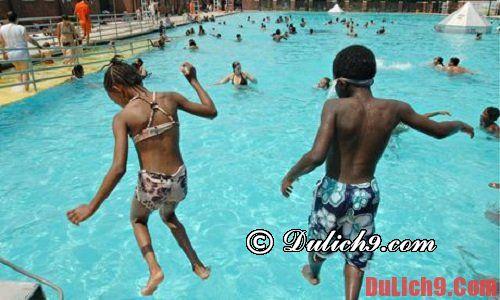 Địa điểm tham quan miễn phí ở New York - bể bơi ngoài trời