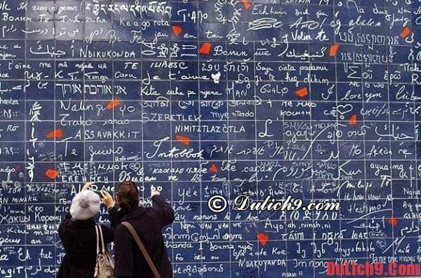 """Thăm """"bức tường tình yêu"""" - Địa điểm du lịch miễn phí ở Paris Pháp"""