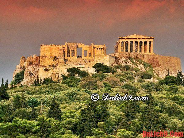 Nên thuê phòng khách sạn nào khi du lịch Athens?