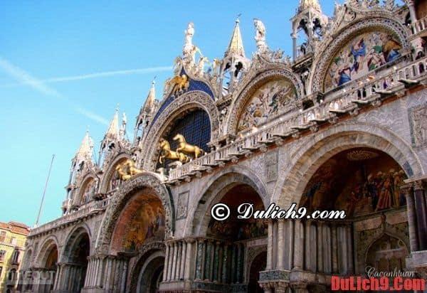 Vương cung thánh đường St. Mark-điểm đến không thể không ghé qua một lần khi du lịch Venice, Italia