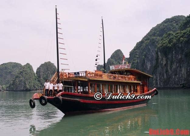 Kinh nghiệm thuê tàu khi tham quan vịnh Hạ Long