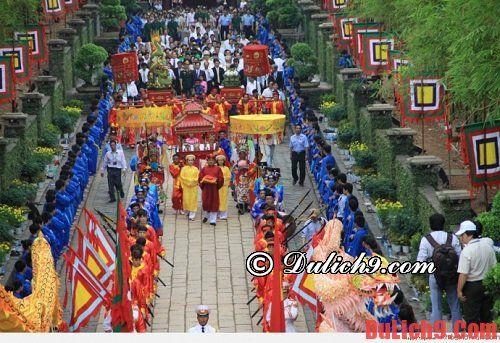 Kinh nghiệm du lịch Đền Hùng tự túc, giá rẻ. Hướng dẫn du lịch Đền Hùng mùa lễ hội