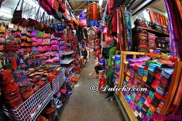 Chợ đêm nổi tiếng ở Bangkok: Địa chỉ chợ đêm giá rẻ ở Bangkok