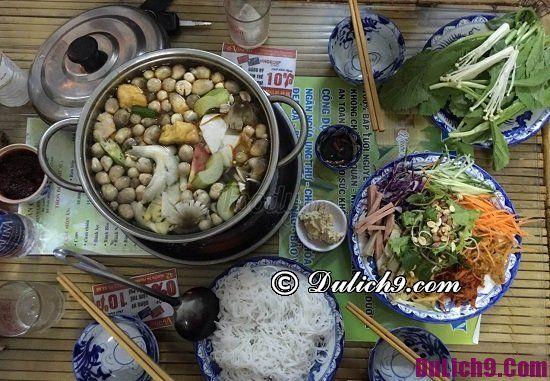 Quán ăn đặc sản bình dân nổi tiếng ở Huế: Địa điểm ăn uống ngon bổ rẻ ở Huế