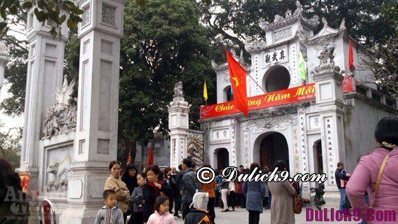 Tết nguyên đán đi chùa nào cầu may ở Hà Nội