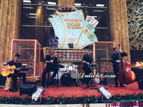 Trong casino ở Campuchia thường xuyên có ban nhạc chơi