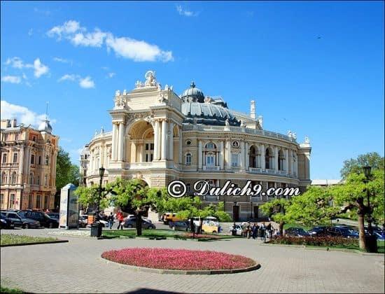 Lịch trình du lịch Ukraina 10 ngày 9 đêm tự túc: Hướng dẫn lịch trình tham quan, vui chơi, ăn uống ở Ukraina