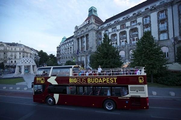 Kinh nghiệm du lịch Budapest tự túc: Cách đi tới Budapest như thế nào? Phương tiện đi lại khi du lịch Budapest