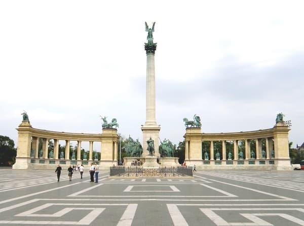 Đi đâu, chơi gì khi du lịch Budapest? Kinh nghiệm du lịch Budapest: Địa điểm tham quan, vui chơi hấp dẫn, nổi tiếng ở Budapest