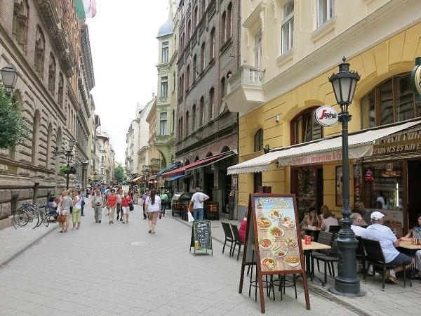 Nên ở đâu khi du lịch Budapest? Địa chỉ những khách sạn đẹp, tiện nghi nên đặt phòng khi du lịch Budapest
