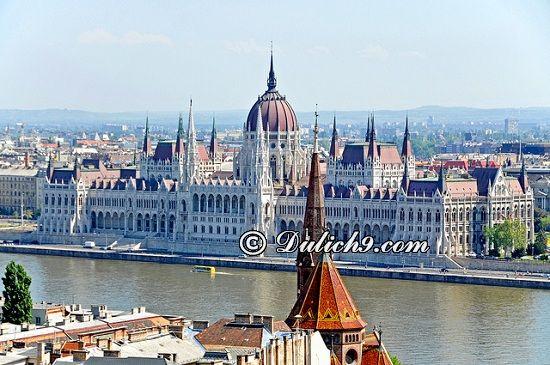 Kinh nghiệm du lịch Hungary tự túc, giá rẻ: Hướng dẫn lịch trình tham quan, vui chơi, ăn uống khi du lịch Hungary