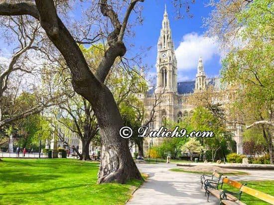 Hướng dẫn tour du lịch Hungary/ Phương tiện đi lại ở Hungary: Danh lam thắng cảnh đẹp ở Hungary