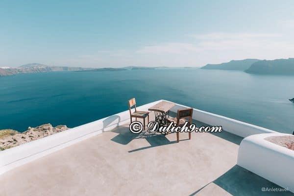 Nên ở đâu khi du lịch Santorini/ Khách sạn tốt & rẻ ở đảo Santorini nên đặt phòng