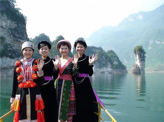 Kinh nghiệm phượt Tuyên Quang: Hướng dẫn đi tham quan, vui chơi, ngắm cảnh, chụp ảnh đẹp khi du lịch Tuyên Quang