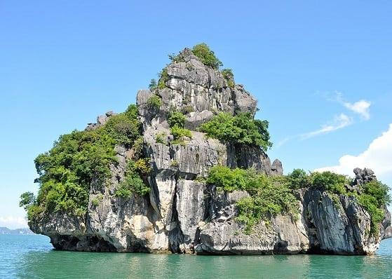 Kinh nghiệm đi Quảng Ninh giá rẻ: Hướng dẫn lịch trình tham quan, vui chơi khi du lịch Quảng Ninh