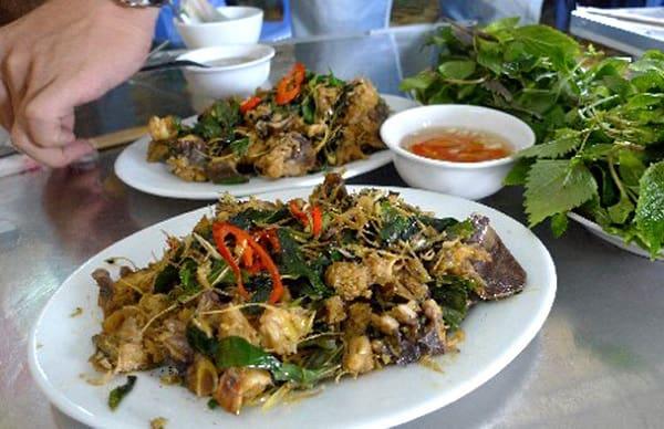 Kinh nghiệm ăn uống ở Quảng Ninh: Nên ăn món gì khi du lịch Quảng Ninh? Món ăn nổi tiếng ở Quảng Ninh