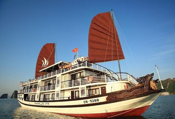 Nên ở đâu khi du lịch Quảng Ninh? Khách sạn, nhà nghỉ ở Quảng Ninh đẹp, tiện nghi nên ở
