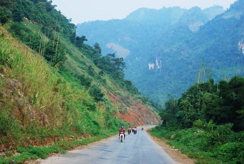 Đi bằng cách nào tới Sơn La? Phương tiện đi phượt Sơn La: Hướng dẫn đường đi du lịch Sơn La