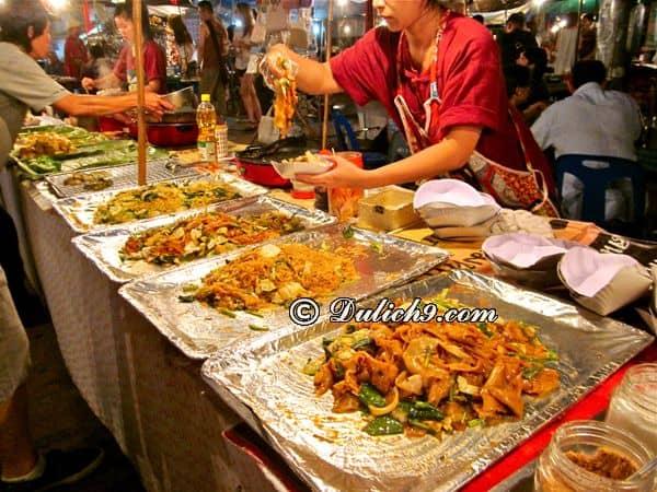 Những lưu ý khi tham gia lễ hội thả đèn trời ở Chiang Mai: Kinh nghiệm ăn uống khi du lịch Chiang Mai dịp lễ hội thả đèn trời