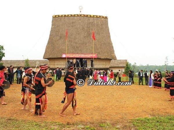 Kinh nghiệm đi làng văn hóa các dân tộc Việt Nam: Hướng dẫn lịch trình tham quan, vui chơi ở làng văn hóa các dân tộc Việt Nam