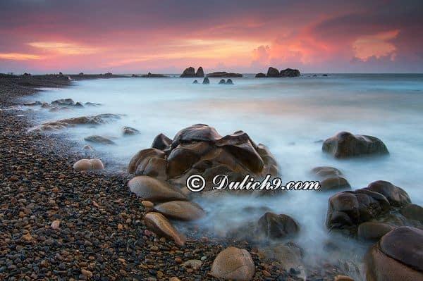 Bãi đá Cổ Thạch - điểm ưa thích của dân phượt khi tới Bình Thuận: Danh lam thắng cảnh đẹp ở Bình Thuận