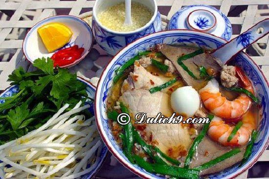 Hủ tiếu Mỹ Tho/ Đặc sản Tiền Giang không nên bỏ qua: Nên ăn gì khi đi du lịch Tiền Giang?