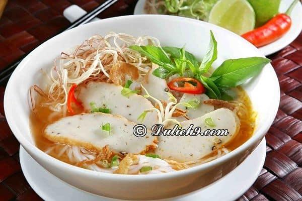Bánh canh chả cá - món ngon đặc sản Bình Thuận: Nên ăn gì khi phượt Bình Thuận?