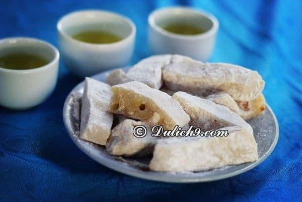 Bánh chè lam/ đặc sản Cao Bằng làm quà: Nên mua quà gì khi đi du lịch Cao Bằng?