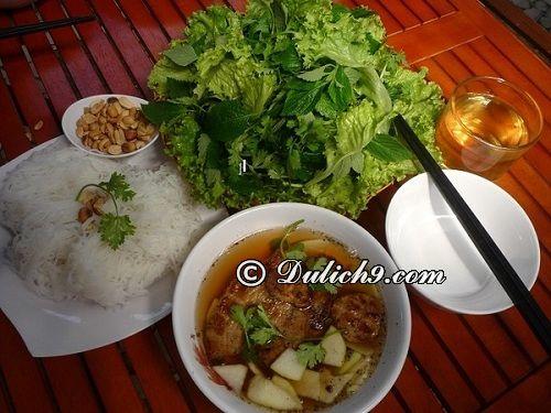 Phố bún chả - đường cầu Mái Miến, tp. Thái Bình: Địa điểm ăn uống ngon, giá rẻ ở Thái Bình. Quán ăn ngon nổi tiếng ở Thái Bình