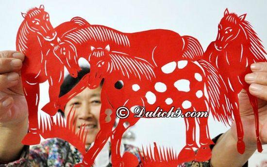 Cắt giấy Bắc Kinh hoặc mua mặt nạ Kinh kịch Bắc Kinh: Nên mua quà gì khi du lịch Bắc Kinh?