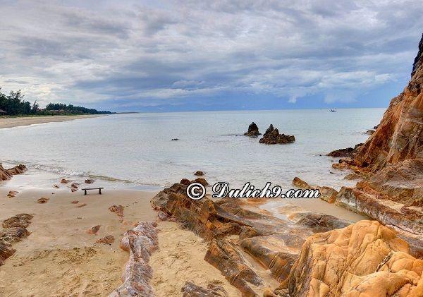 Địa điểm du lịch nổi tiếng ở Quảng Bình: Du lịch Quảng Bình nên đi đâu chơi, tham quan?