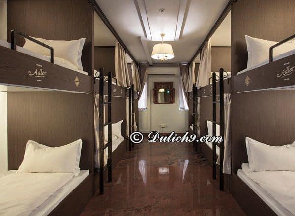 Du lịch Singapore nên ở khách sạn nào giá rẻ, vị trí thuận tiện? Khách sạn giá bình dân gần trung tâm Singapore