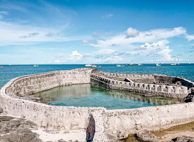 Kinh nghiệm du lịch đảo Phú Quý, Mộ Thầy