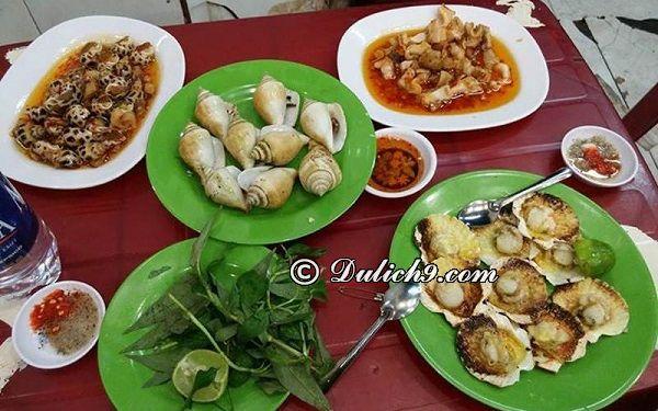 Ốc Đào/ địa chỉ ăn vặt ngon, đông khách quận 1 Sài Gòn