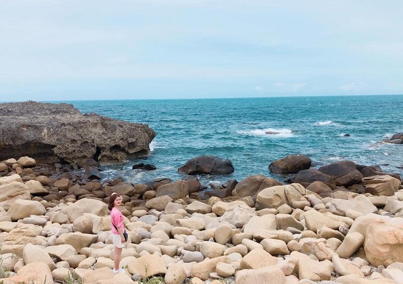 Du lịch Ninh Thuận tự túc, Hang Rái ở đâu?