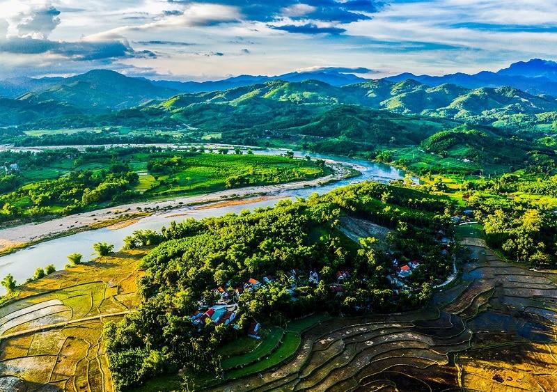 Kinh nghiệm du lịch Quảng Ngãi, hướng dẫn đường đi đến Quảng Ngãi