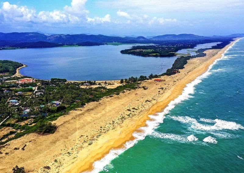 Kinh nghiệm du lịch Quảng Ngãi, bãi biển Sa Huỳnh