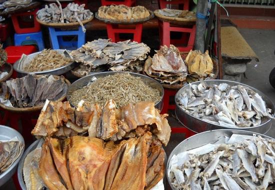 Quy Nhơn Bình Định có đặc sản gì nên mua về làm quà? Đặc sản khô Quy Nhơn làm quà