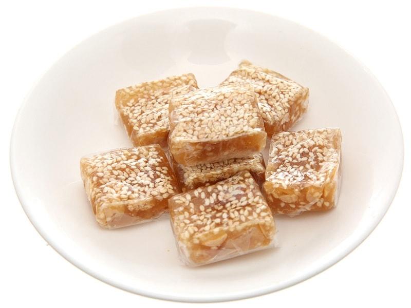 Kẹo mè xửng - Món quà nên mua khi du lịch Huế