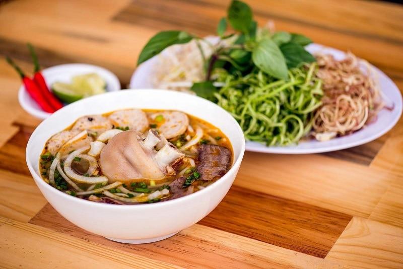 20 quán ăn ngon ở Huế thực đơn đa dạng, giá cả hợp lý