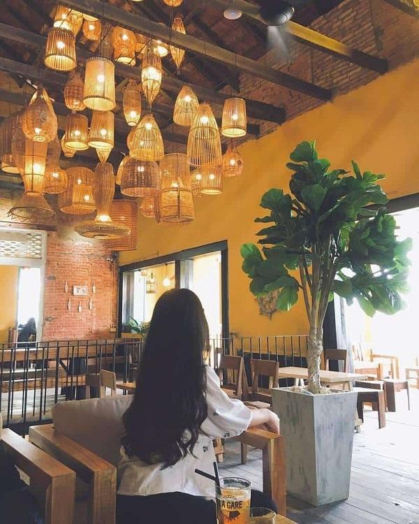 60s Reborn Coffee - quán cafe view đẹp ở Huế
