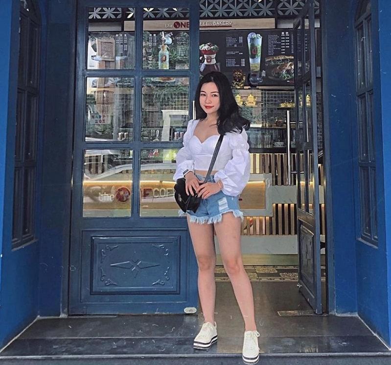 The One Coffee and Bakery - quán cafe chụp hình đẹp tại Huế