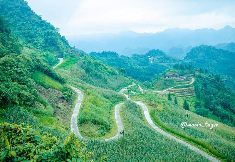 Địa điểm du lịch nổi tiếng Hà Giang, cổng trời Quản Bạ