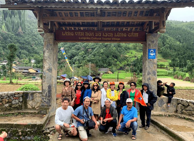 Địa điểm du lịch Hà Giang, làng văn hóa Lũng Cẩm